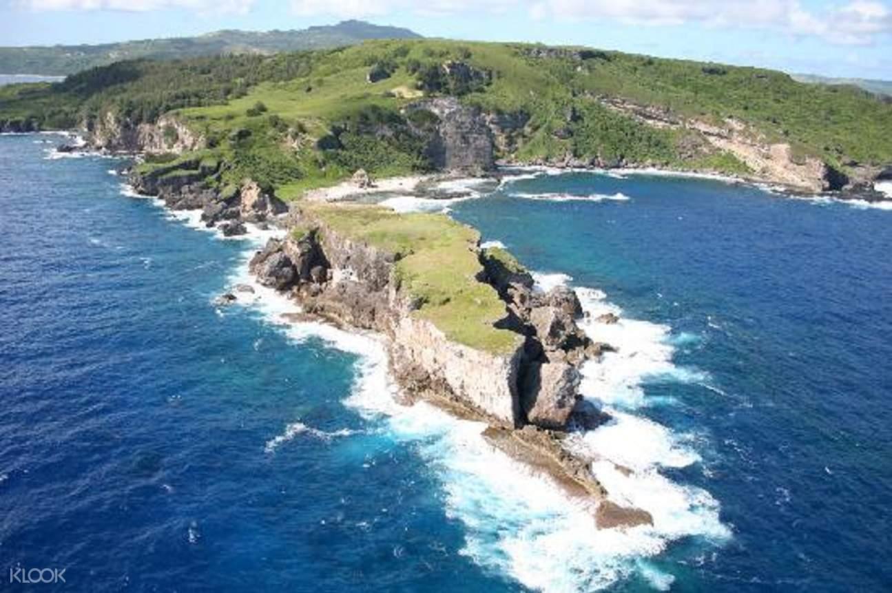塞班岛是美国北马里亚纳群岛自由邦面积最大的岛屿,以其丰富的历史和